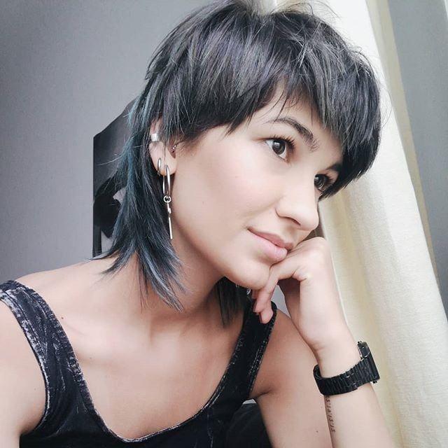 Mullet Haircut Trend In Women S Modern Mullet Hairstyle Collection In 2020 Mullet Haircut Modern Mullet