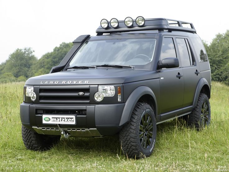 Auto___Land_Rover__Vehicle_Land_Rover_Defender_on_the_road__060620_.jpg 2.048×1.536 Pixel