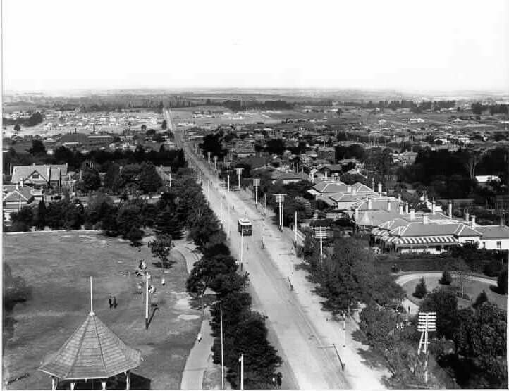 From the clock tower of the Malvern Town Hall looking east along High St towards Glen Iris in 1912.