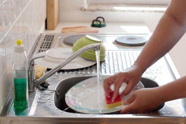 Готовим безопасное домашнее средство для мытья посуды 0