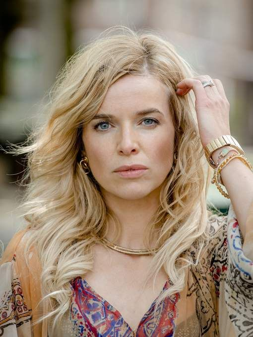 Thekla Reuten (September 16, 1976) Dutch actress.