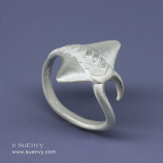 Sting Ray ring in Sterling Silver, Manta Ray ring in sterling silver, Jewelry gift for Her $80
