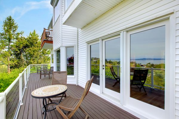 http://www.deckrepairsmiami.com Deck Builder Miami   Deck Repairs in Miami. Deck Repairs Miami has been serving Miami and surrounding cities for over 22 years.