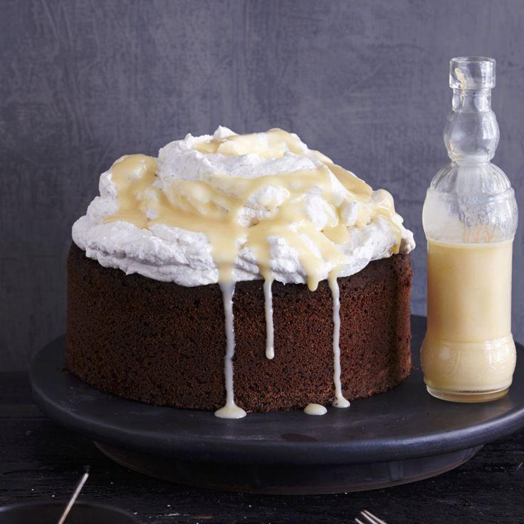 Diese Torte ist saftig und nicht so süß, und trotz Sahne & Co. doch so leicht, dass man danach - gefühlt - immer noch Berge versetzen könnte!