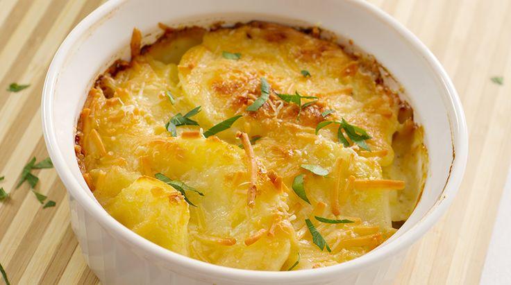 Valle d'Aosta - Tortino di patate alla valdostana - E' un piatto unico che si può gustare in ogni stagione, d'estate è buono freddo, d'inverno tiepido. E' adatto anche per un pic-nic o una cena velocecomepiatto  http://www.ilgiornaledelcibo.it/ricetta/tortino-di-patate-alla-valdostana/
