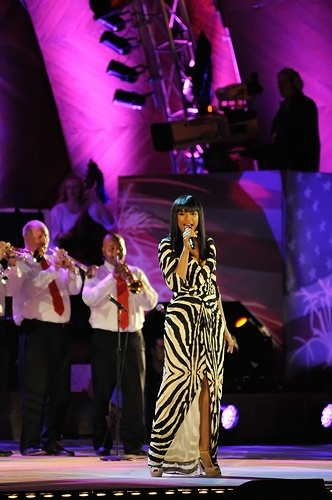 Jennifer Hudson at the Boston Pops Fourth of July Firework Spectacular: Living Photo