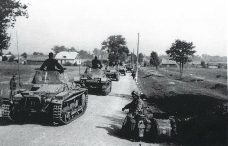 DÍA 01-09-1939   4,45 horas - las tropas alemanas cruzan la frontera polaca.