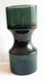 Glass vase in three colors: blue-green with violet middel, and red bottom. Signed by Wirkkala. 23.5 cm