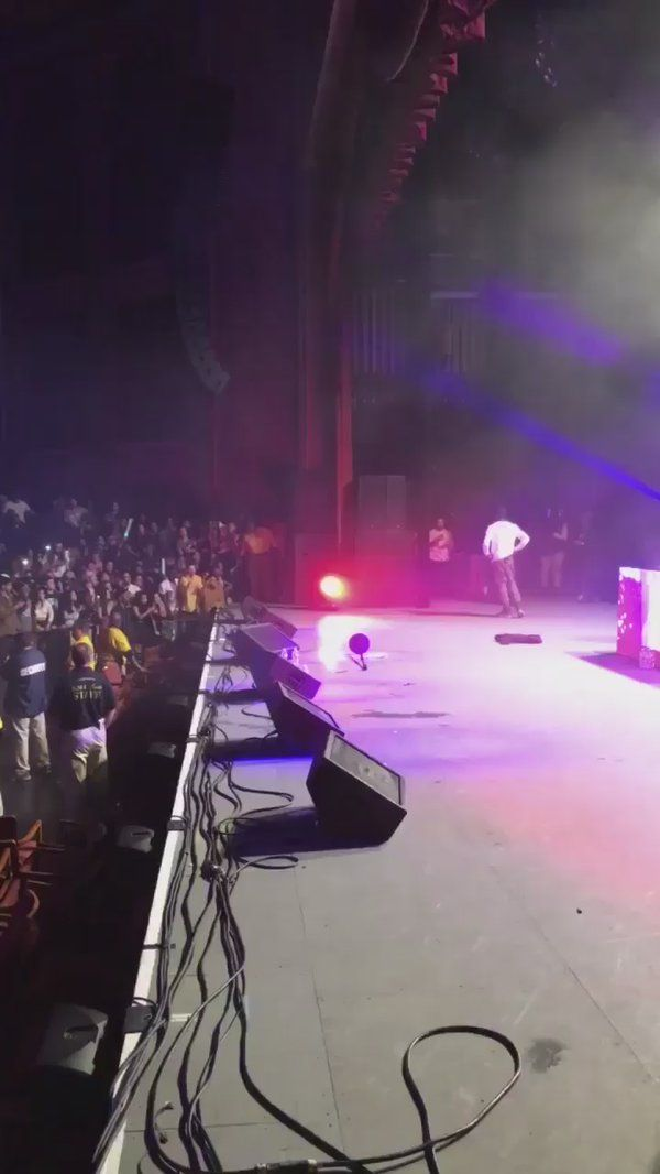 #socialmedia RT SheswantstheD: A fan jumped on stage at a Travis Scott show so Travis told him the only way off is http://pic.twitter.com/zQws2vWAqg   Social Marketing Pro (@Social_MKT_) November 14 2016