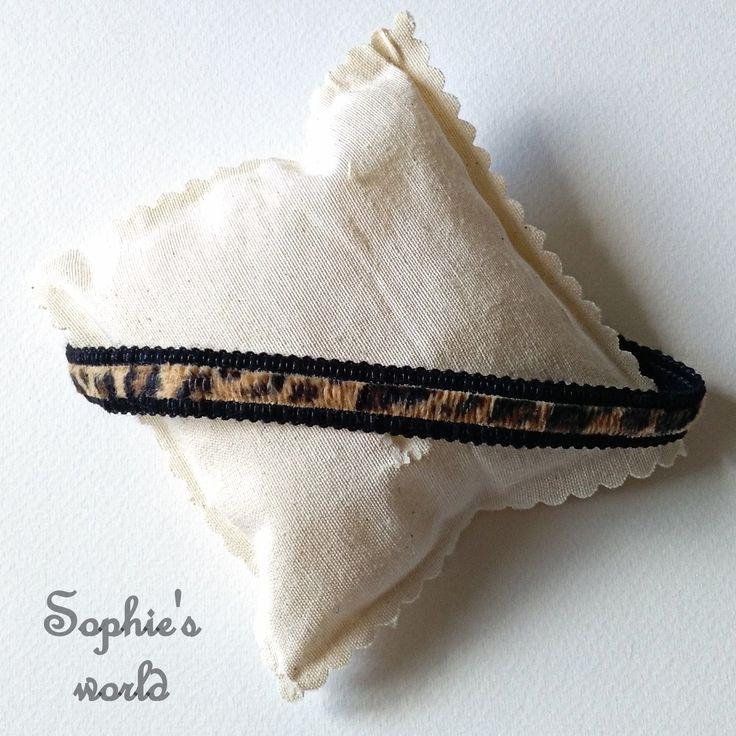 Τσόκερ κολιέ λεοπάρ με μαύρο #choker #necklace #handmade #black #leopard #fashion #accessories  https://www.facebook.com/SophiesworldHandmade/