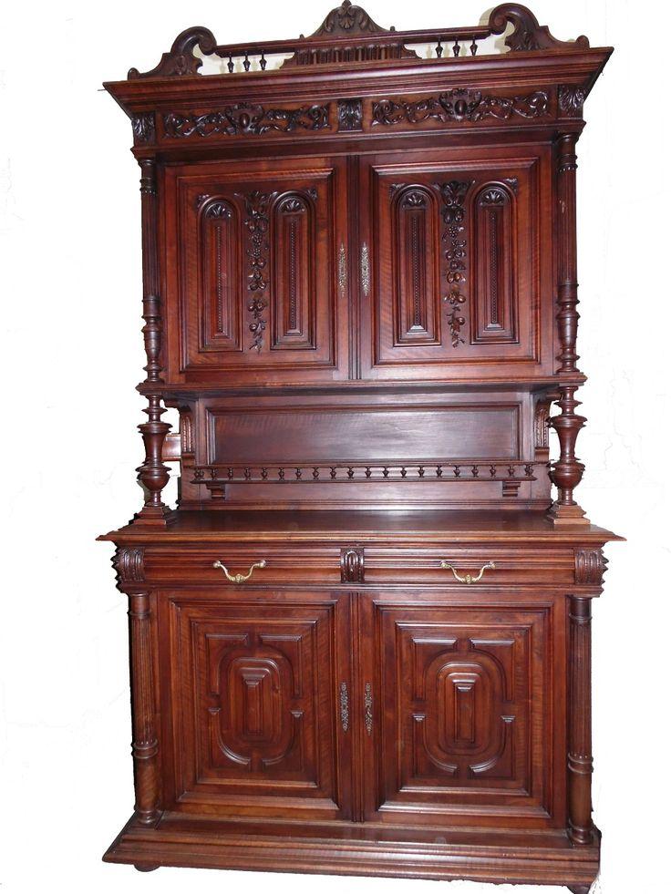 Fransız antika büfe 1900 civarı  Ceviz ahşap el oyması Çekmece kulpları ve anahtar delikleri pirinçten  yükseklik 231cm x genislik 162cm x derinlik 60cm  COK TEMİZ DURUMDA .