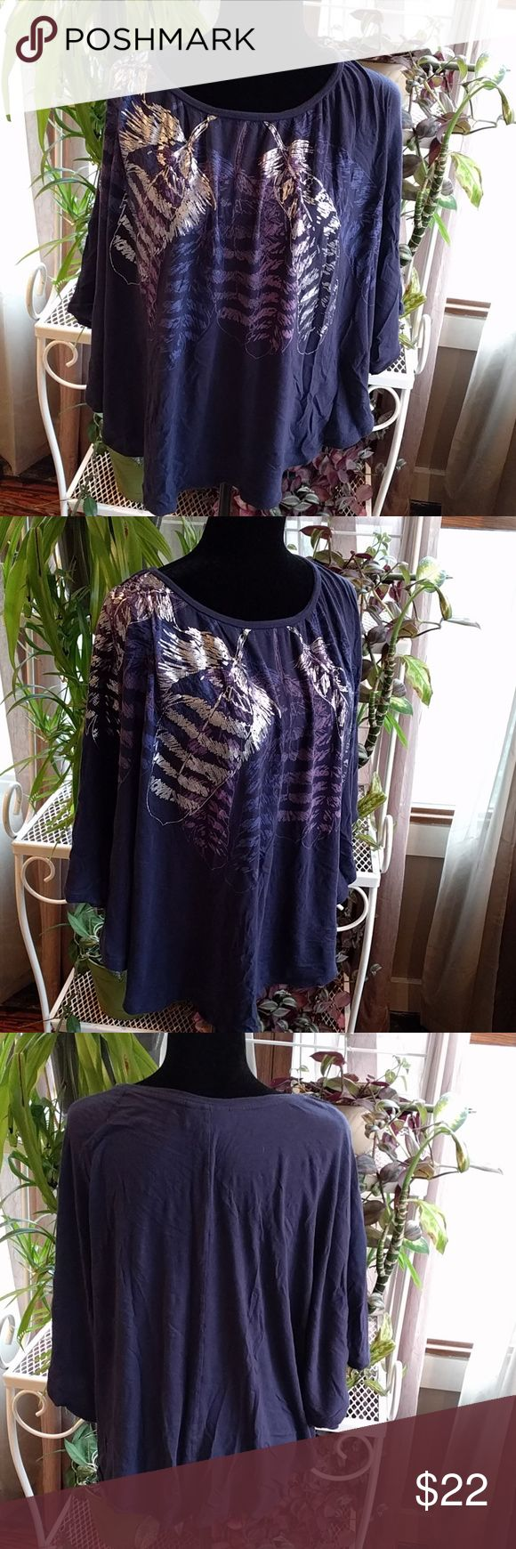 Plus size Batwing top Plus size  batwing style top  Fashion Bug  size 3 X Lavender blue metallic feather print Fashion Bug Tops