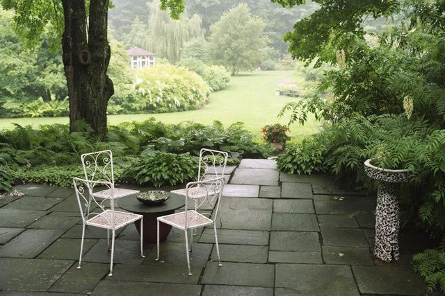 Where to Shop Online for Inexpensive Patio Furniture