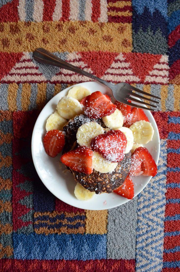 Vegan banana pancakes https://brokenbiscuitssite.wordpress.com/2016/02/18/pancakes-vegani-alla-banana/