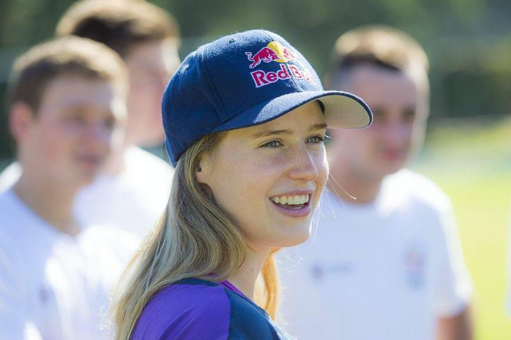 ये है दुनिया की कुछ सबसे सुंदर और प्यारी दिखने वाली महिला क्रिकेट खिलाड़ी – TOP MOST GOSSIPS