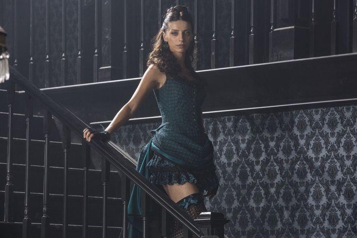 Angela Sarafyan in Westworld (2016-)
