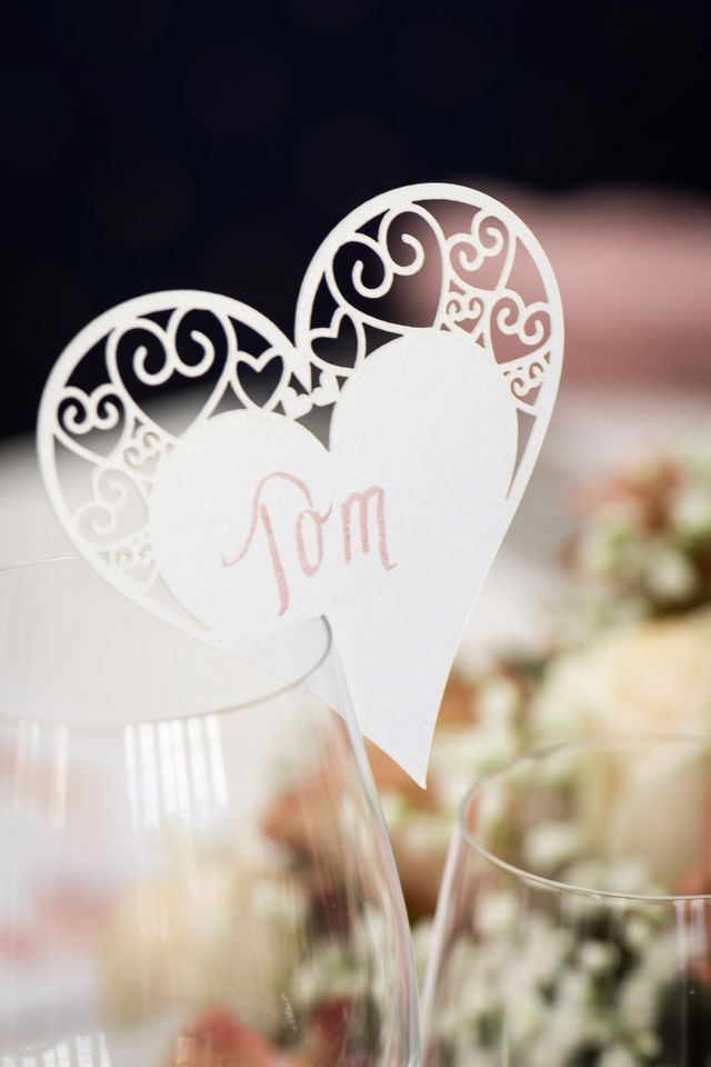 Skonne Bordkort Fa Dine Bordkort Skrevet Af Det Perfekte Bryllup Bordkort Bryllup Bordkort Bryllup