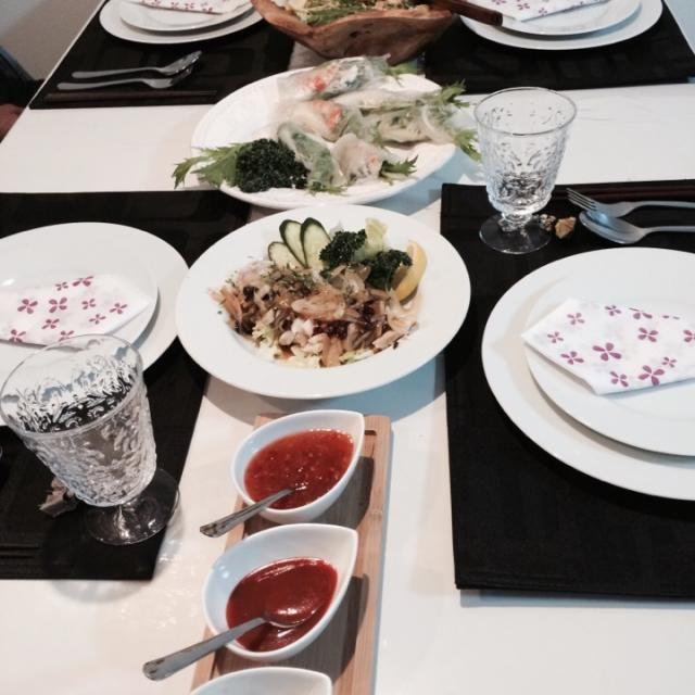 春雨サラダのヤムウムセンに生春巻きにカムウンガイにトムヤムクンにグリーンカレー作りました。ちょとタイ料理作り過ぎかも(T_T) - 59件のもぐもぐ - タイ料理!カウマンガイのアレンジ by 直サーファー