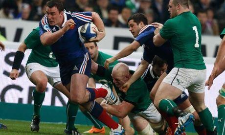 France's Louis Picamoles makes a break,.