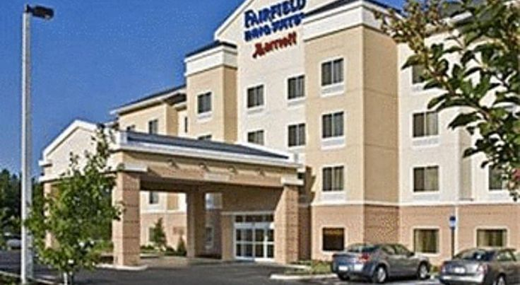 Fairfield Inn & Suites by Marriott Selma Kingsburg Kingsburg The Fairfield Inn & Suites by Marriott is situated in the San Joaquin Valley. It has an outdoor heated pool and offers spacious accommodations with free Wi-Fi and flat-screen TVs.