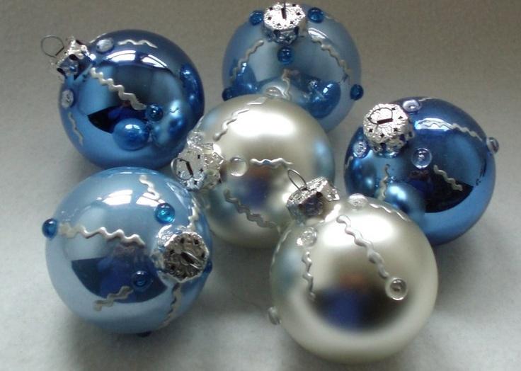 Geschenkidee - Christbaumkugeln Weihnachtskugeln PEARLS - 6er-Set    Handbemalt, mit Halbperlen verziert und in einer wunderschönen Farbzusammenstellung