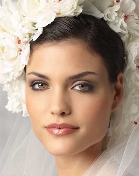 Wedding day make up tips.. http://www.eve.com.mt/2014/01/11/wedding-beauty-tips/