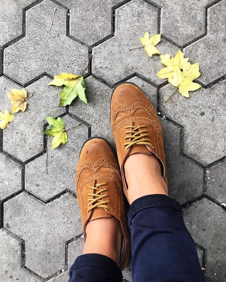 "174 aprecieri, 3 comentarii - ⠀⠀⠀⠀⠀⠀⠀⠀🌸SIMONA TINCA 🌸 (@simona_tinca) pe Instagram: ""Autumn vibe 🍁 and perfect shoes ♥️🔥 🅝🅔🅦 🅑🅛🅞🅖 🅟🅞🅢🅣 _____________________❀_______________________ . .…"""