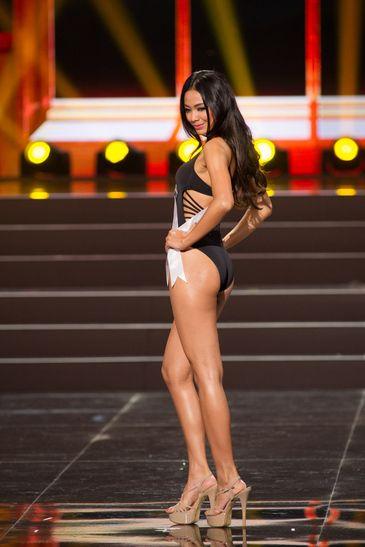 Whulandary Herman – Miss Indonesia  2013 Miss Universe Pageant swimwear