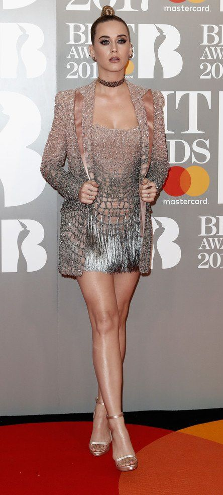 Katy Perry in Atelier Versace attends The BRIT Awards 2017. #bestdressed