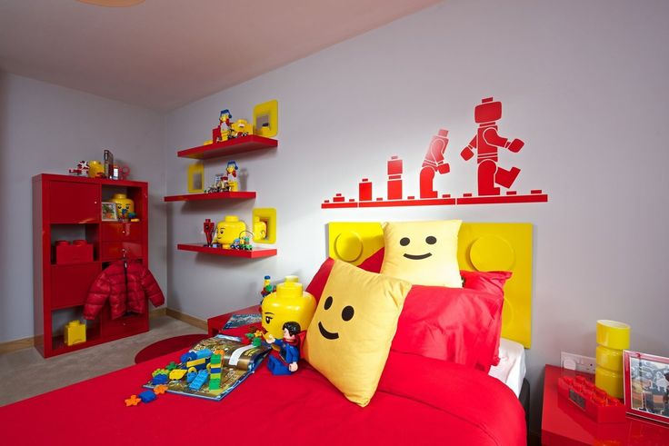 I would have loved this when I was a kid. Via Apartment Therapy: For LEGO Lovers: A Model LEGO Kids Room