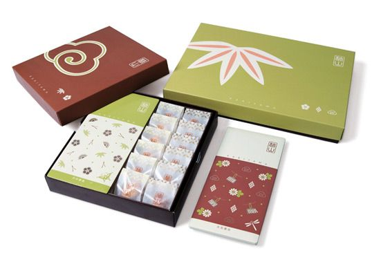 """KAKIYAMA is a long-established rice cracker brand in Tokyo, Japan and we designed their brand-new packages including the assorted gift box, tin box, gift wrapping & shopping bags. Our goal was to create a Modern Japanese yet traditional and luxury rice cracker brand that appeals to all ages consumers."""""""