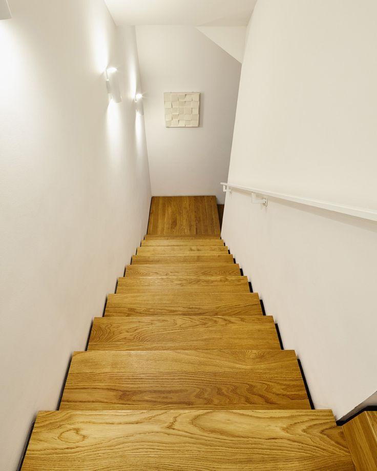 die besten 17 ideen zu treppenstufen holz auf pinterest treppenstufen beton geschwungene. Black Bedroom Furniture Sets. Home Design Ideas