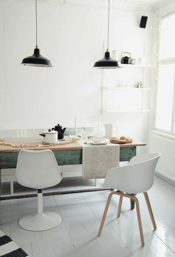 Skandinavisch wohnen küche weiss wand stuhle