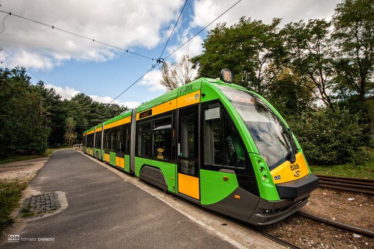 Poznań, pętla Miłostowo, tramwaj Solaris Tramino S105P #528 - #Poznań, #tramwaj, #tram