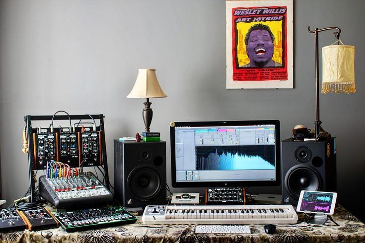 Live In An Apartment And Have No Space For A Home Studio Check Out These 11 Awe Inspiring Ho Home Studio Setup Home Studio Music Home Recording Studio Setup