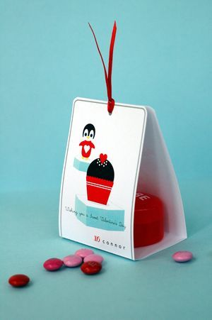 Penguin Valentine Treat Holder: Tutorial and free printable