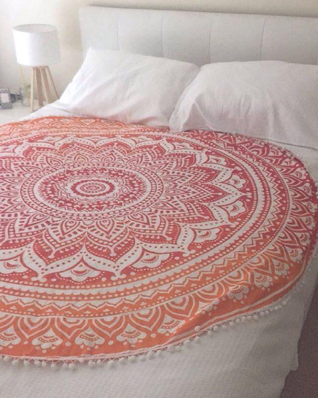 Indian Round Ombre Mandala Beach Throw Blanket Tapestry Boho Dorm Decor Yoga Mat #HandmadeCraftaura #MandalaRoundBeachThrowTapestryTableCover