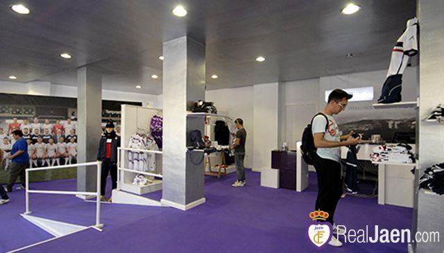Mañana cierra definitivamente la tienda oficial del Real Jaén en avenida de Madrid