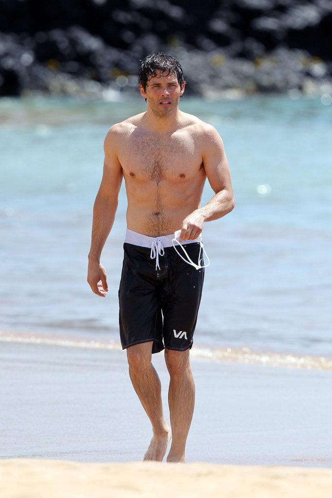 Sexy James Marsden in Hawaii