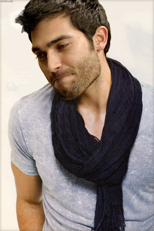 I have been neglecting my Tyler Hoechlin.board lately! Sorry, Tyler.