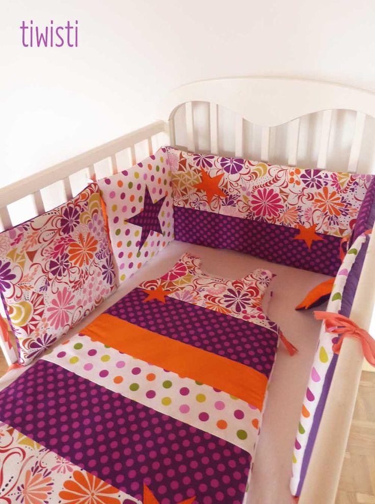 Tour de lit coussin et gigoteuse évolutive 6-24 mois, multicolore, prune et orange, étoile