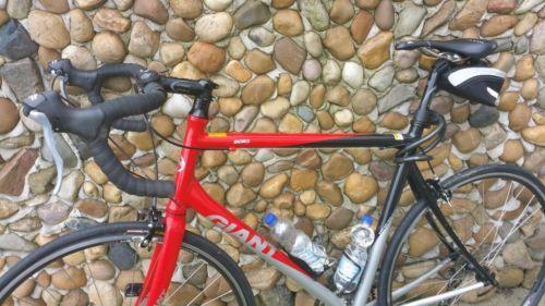 Verkaufe mein Rennrad, da ich mehr mit dem Bike fahre und es zu schade ist nur im Keller zu...,Rennrad Giant  scr 3,0 Herren  in gutem Zustand 28 Zoll in Sachsen - Großenhain