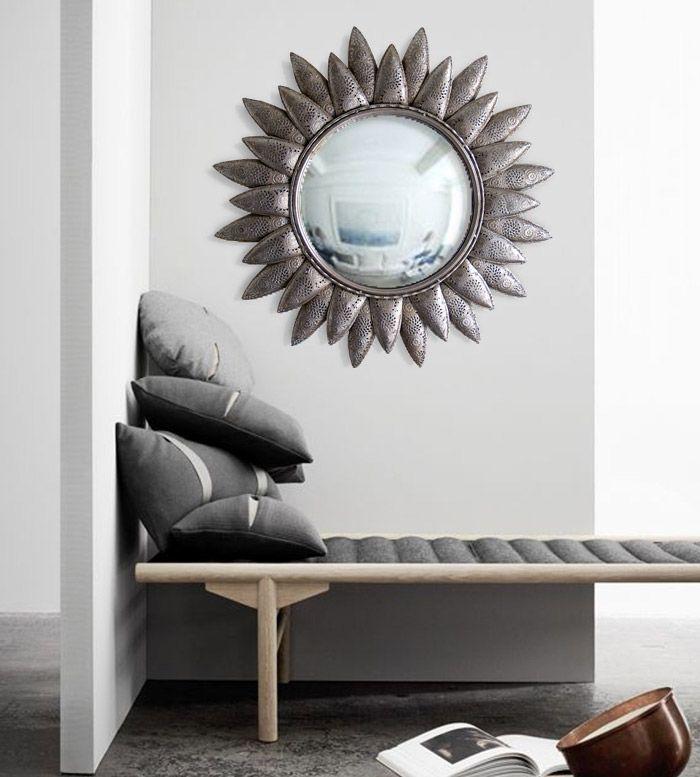 espejo plateado en metal original forma de flor en metal repujado perfecto para decorar