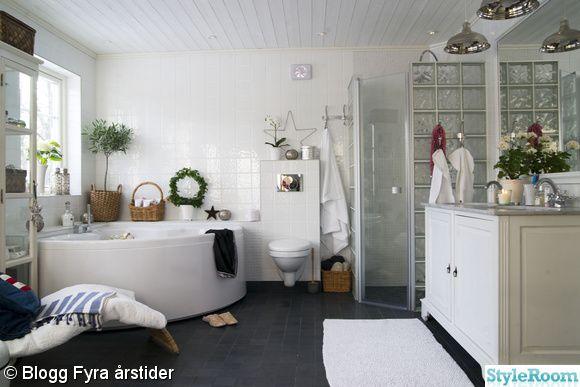 Beautiful big bathroom