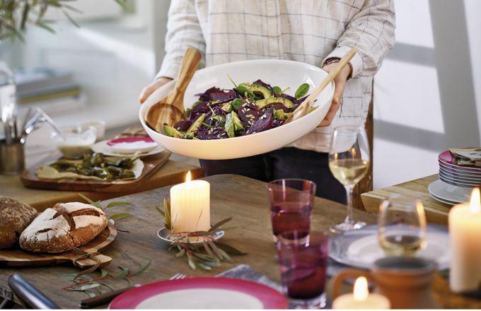 Oválná salátová mísa New Cottage Basic, tenký jemný porcelán, 32 cm, Villeroy Boch, cena 1 440 Kč, www.luxurytable.cz