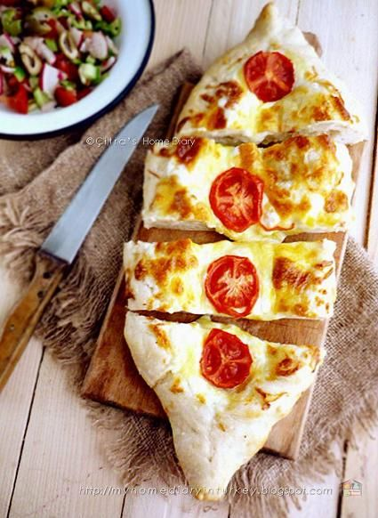 Citra's Home Diary: Peynirli Pide / #Turkish #pita bread with cheese topping
