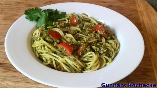 Spaghetti mit Pesto und Thunfisch