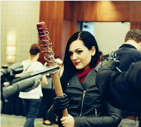 Negan cosplay ---omg omg omg! That's Jeanette! :D