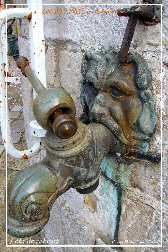 Une des deux têtes de robinet de la grande citerne. Celle-ci approvisionnait en eau l'ensemble de la Cité.