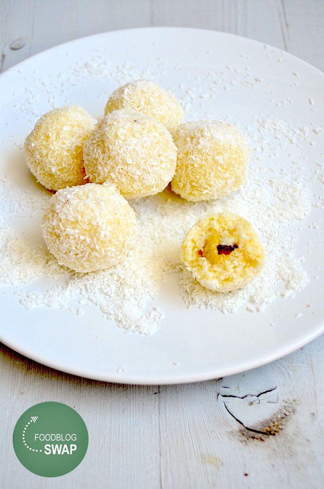 Foodblogswap Kokos truffels - Uit Paulines Keuken